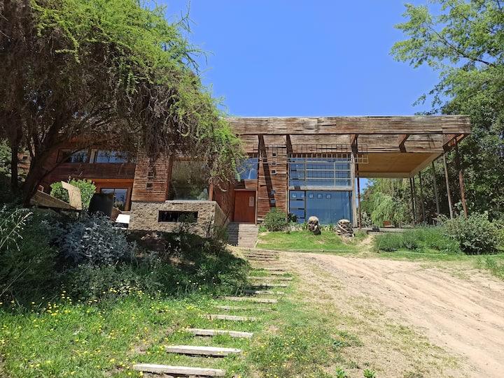 Casa Barahona Mena