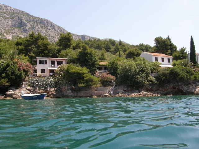 House by the sea - Zaostrog - Huis
