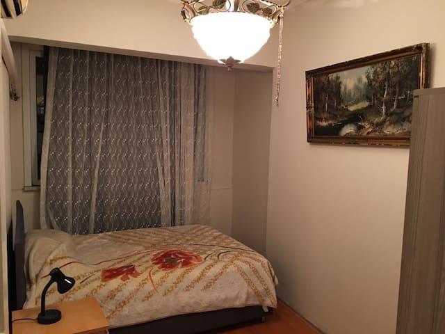 Şişli ve Taksim'in ortasında kiralık oda