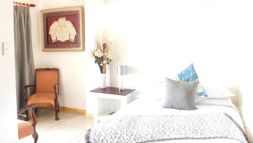 Monty room
