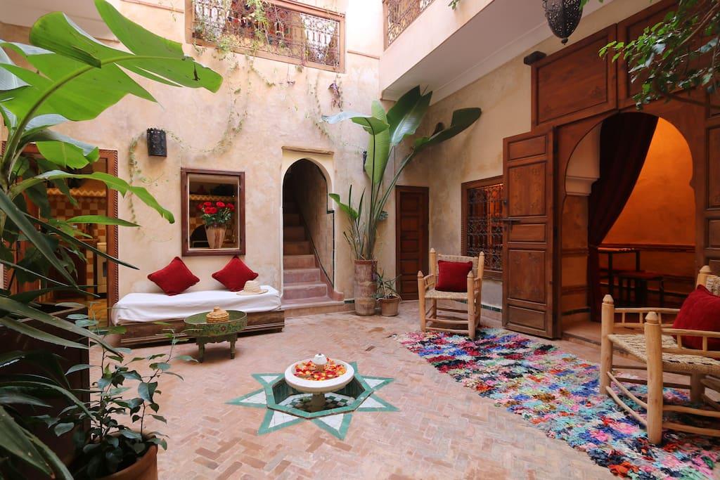 Dar nouja ma riad de 170m2 4 ch en m dina houses for for Airbnb marrakech