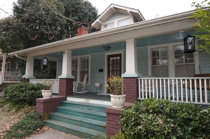 1925 Historic Downtown Bungalow