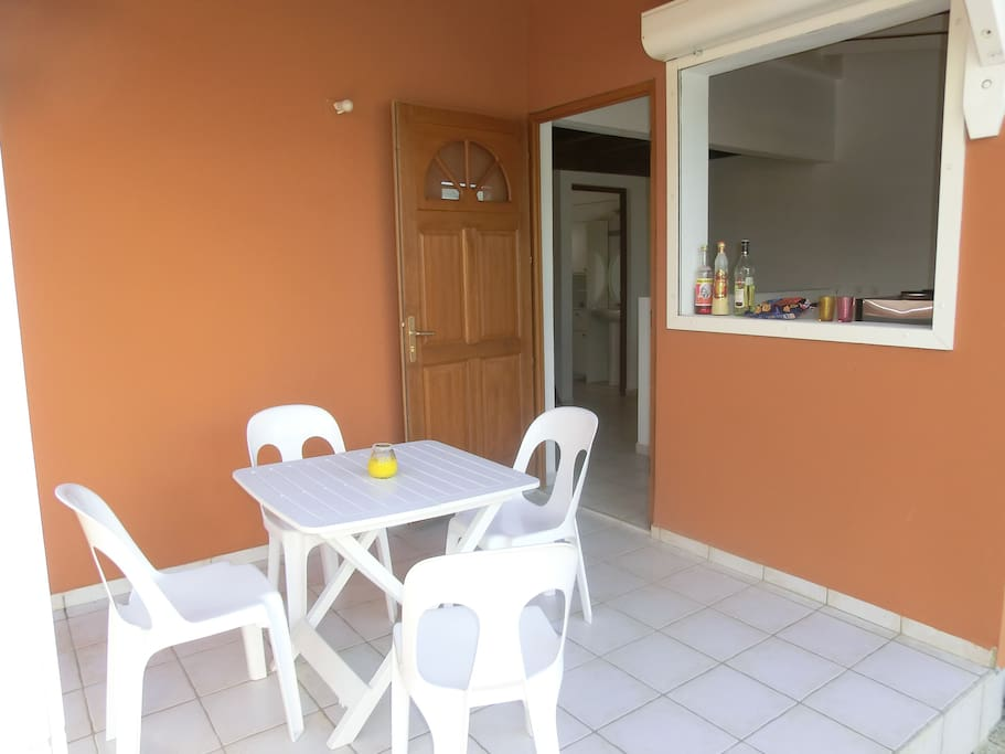 Residence ( coin terrasse individuel )