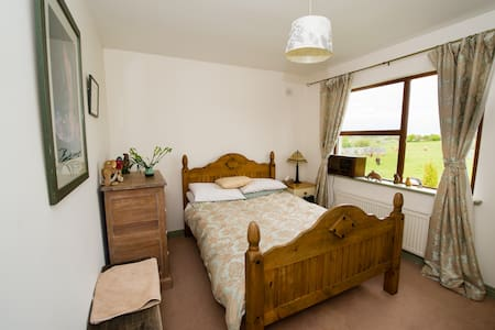 Double Room - Corofin & the Burren - Kilnaboy Road