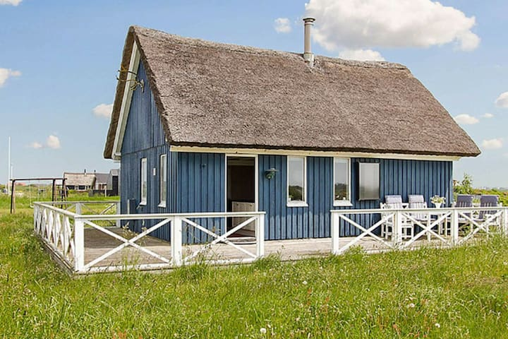 6 person holiday home in Harboøre