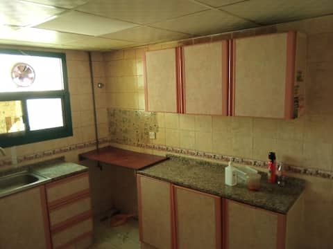 available Room in Sharjah Muweilah