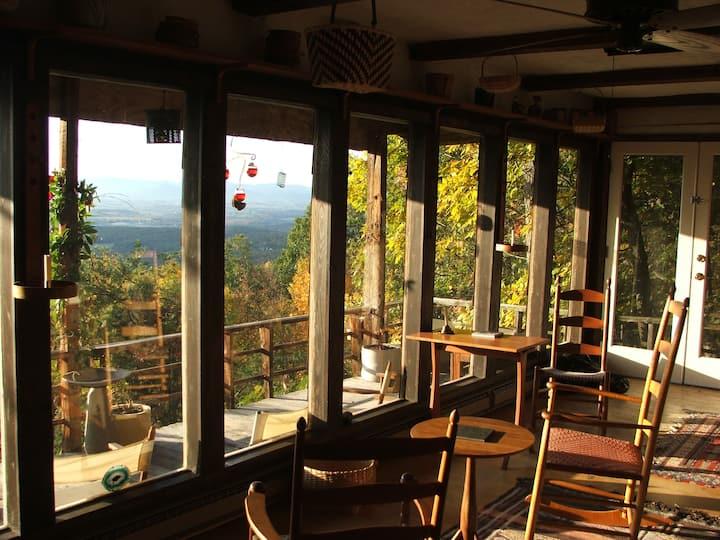 Massanutten Rustic Cabin with Views