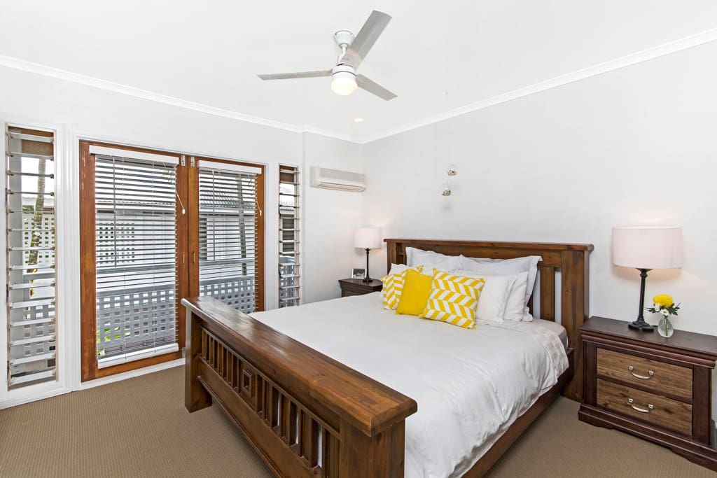 King Size Master Bedroom with Ensuite and Walk in Robe.