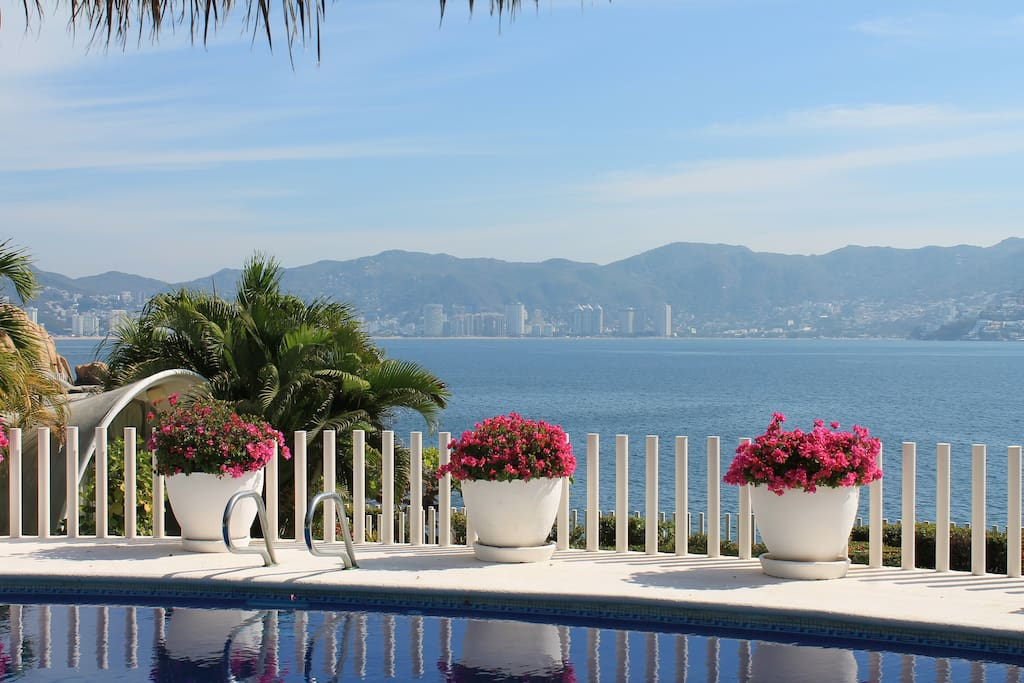 Your unbeatable view of Acapulco bay from pool, lounge and dining area.