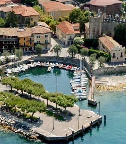 """La Castellana"" esclusiva Junior Suite sul porto"