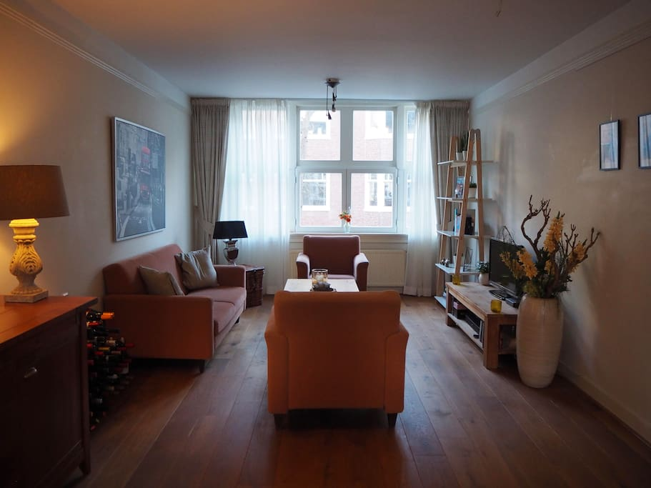 Bright and spacious apartment near the Amsterdam RAI Convention Centre
