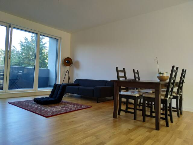 Shared flat in Berlin - 3 months, cool roommates