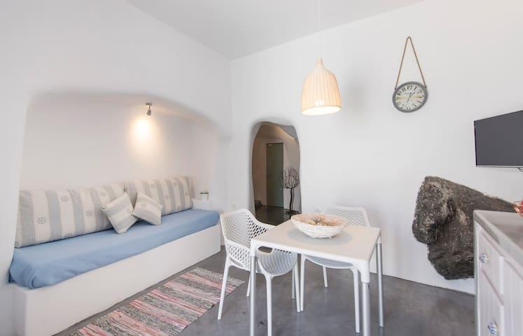 Verina Cave Suite - Naftilos Houses - Finikia - บ้าน