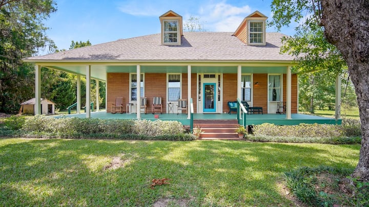Waterfront Historic Bruce/Ollinger Antebellum Home