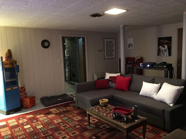 Cozy Bham hideaway! Ultra private, garage parking!
