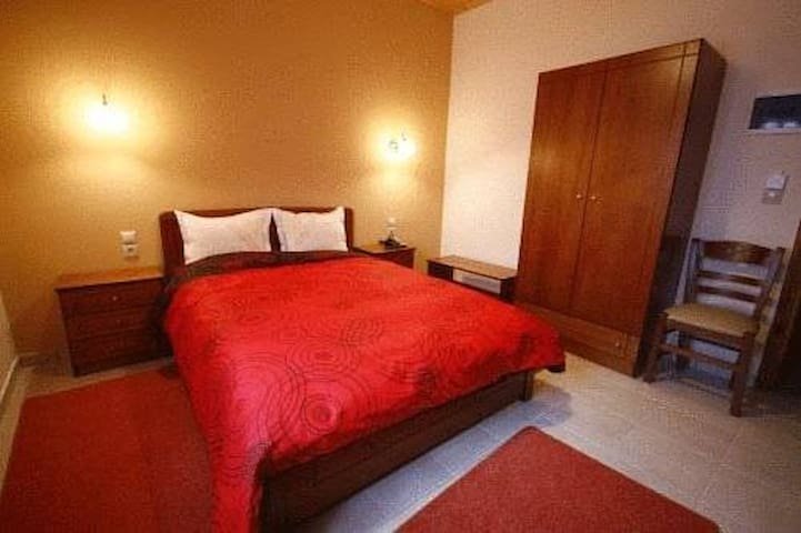 Spacious Double or Twin Hotel Room in Pelion