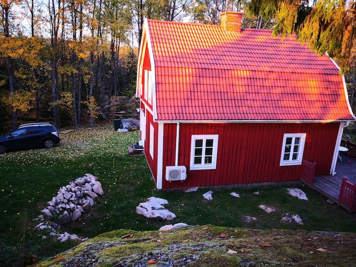 Swedish cottage close to Äsnen National park