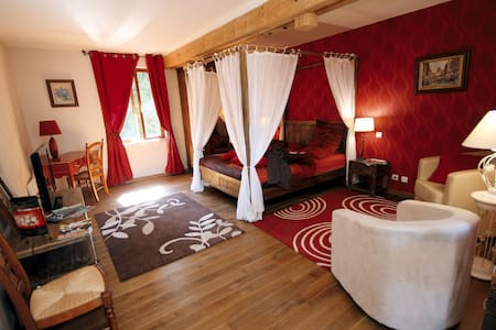 Chambres d'hôtes, piscine, resto - Fontaine-lès-Vervins - Bed & Breakfast