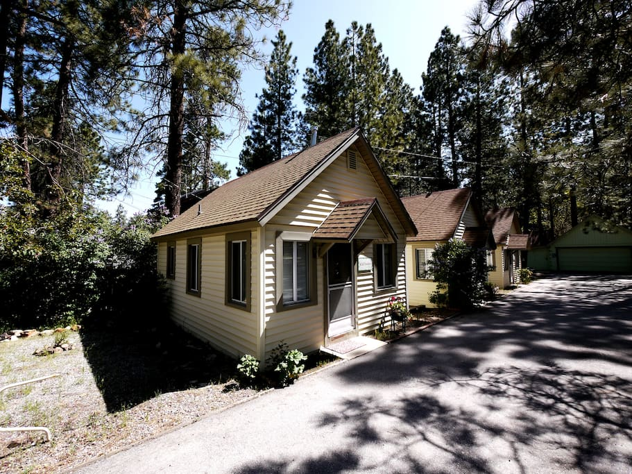 Cozy big bear cabin wild flower cabins for rent in big Big bear cabins california