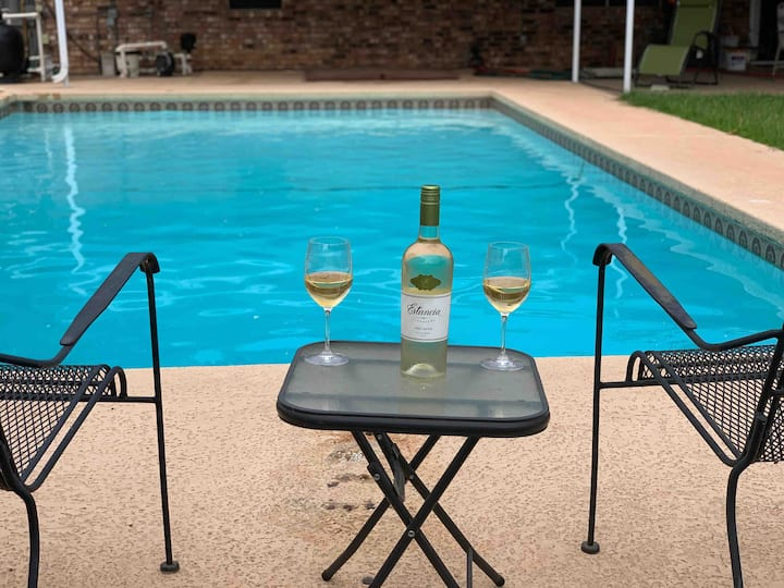 *Oasis in the Falls-Private Hot Tub & Pool Open!!