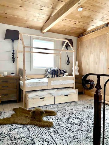 Option for bedroom with twin trundle bed. Ideal for kids crates includes two toddler trundle's with toy storage underneath!
