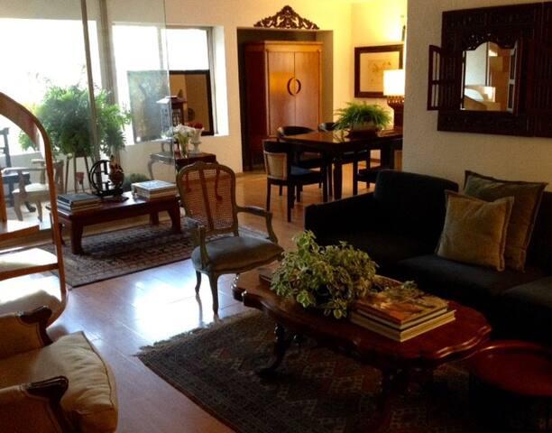 Habitación con baño privado en excelente ubicación - Guadalajara - Wohnung