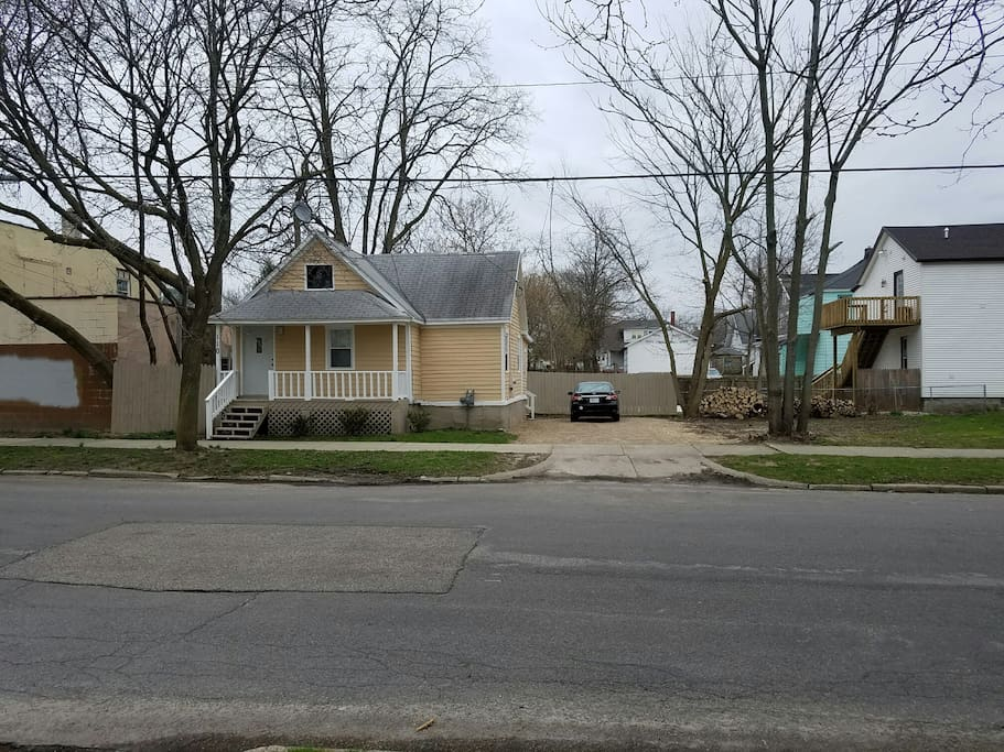 House within walking distance of downtown Grand Rapids, MI