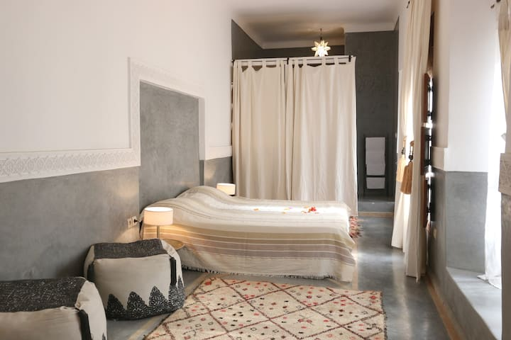LUXURY RIAD IN THE HEART OF THE MEDINA WITH WIFI - Marrakech - Ev