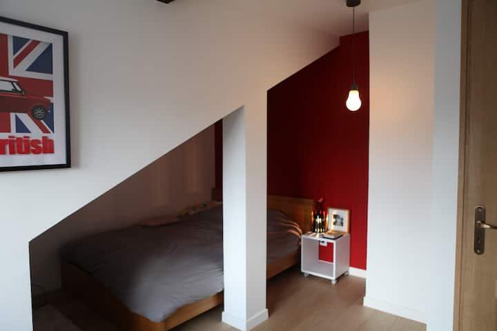 Bedroom at 20 min from Paris !