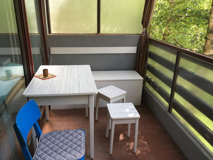 APARTMENT BETWEEN airport-downtown, FREE parking