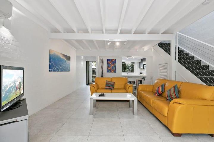 Large 2 bedroom villa close to Noosa Main Beach