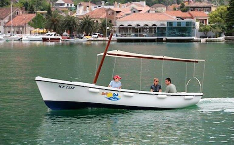 Nakiros - Boat Rent Pasara Elan 495