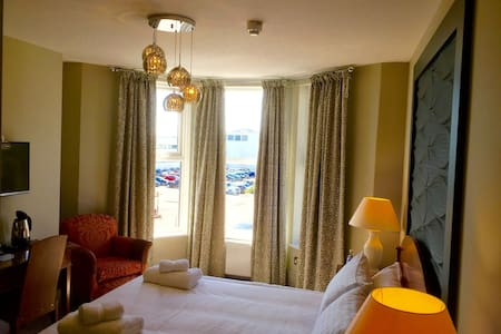 Boutique B&B with views of De La Warr Pavilion - 5 - Bexhill