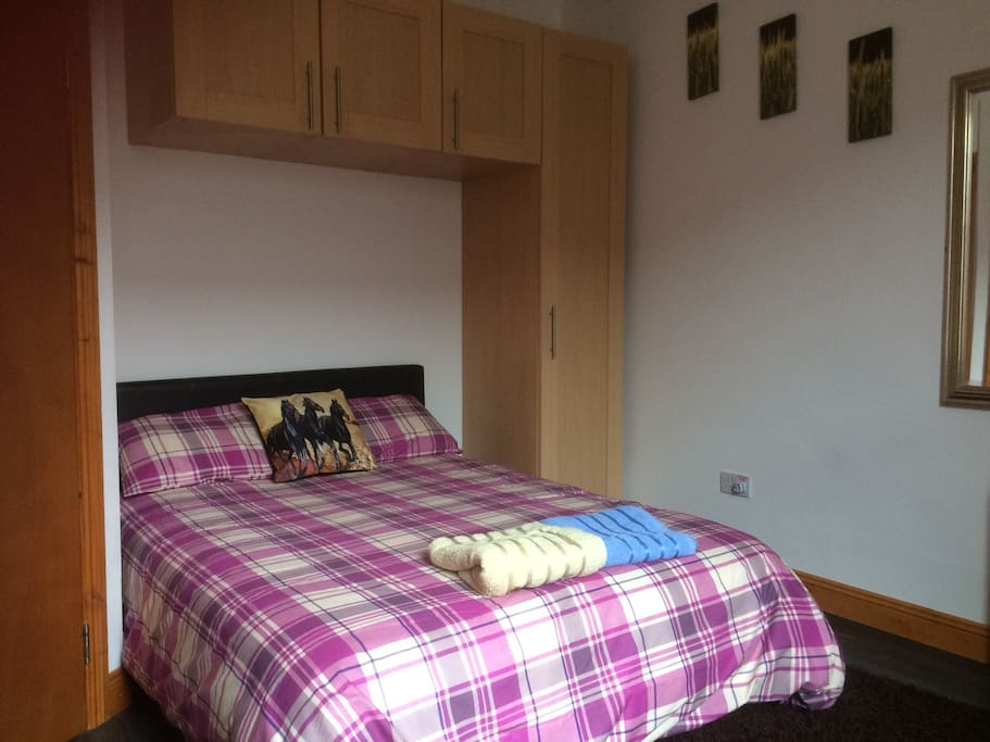 Laundered bed linen with towels supplied.  Double bed with king size duvet for added comfort.