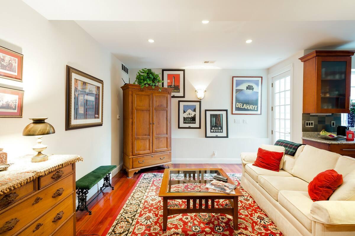 Designer Condominium Close to Duboce Triangle