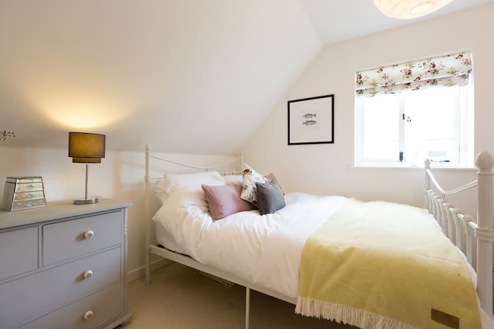 Gorgeous room in beautiful Paxford - Blockley