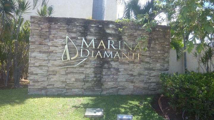 Acapulco Marina Diamante
