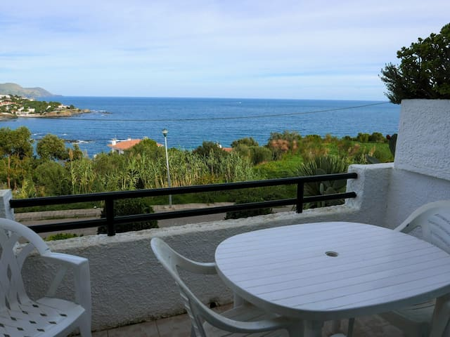 044 Apartment to rent sea views with swimming pool