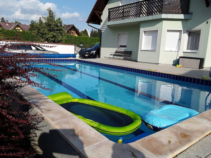 House for 13+2 persons with pool R80103