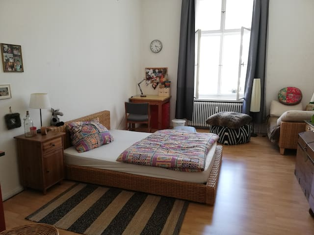 Cozy and charming room in the heart of Berlin