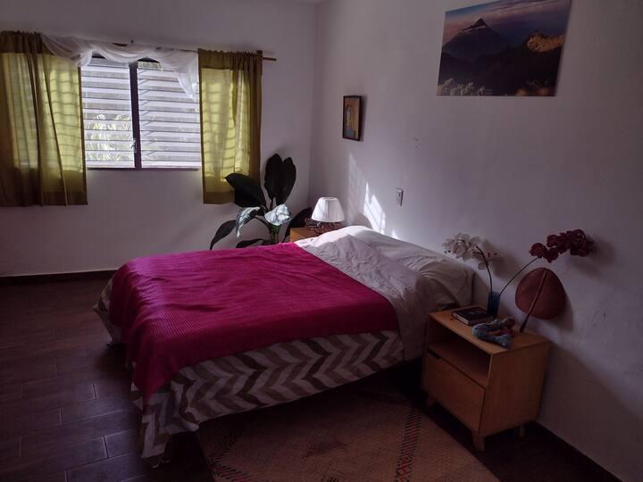 Hermosa habitación privada en El centro de Comala
