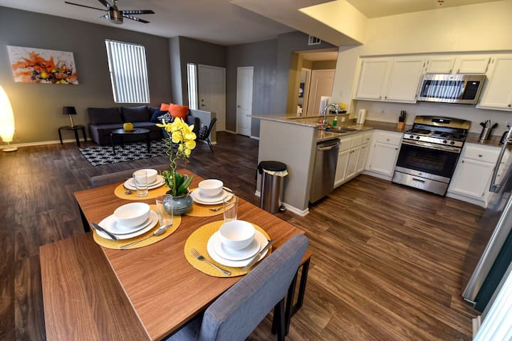 Beautiful & Quiet Apartment 15 Minutes From Strip