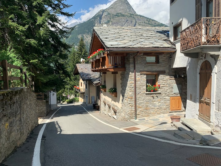 Courmayeur The Independence House