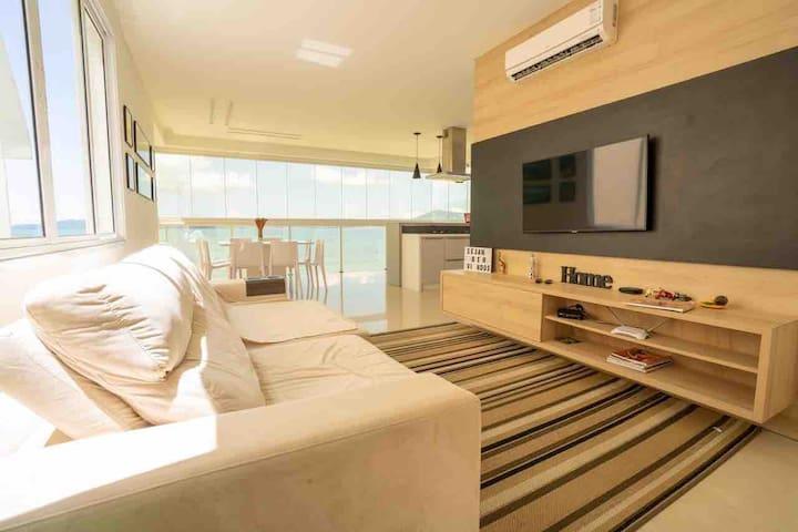 Lindo Apartamento, pé na areia,1 por andar,Itapema