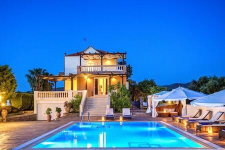Luxury 5 bedroom Villa Athena - Sisi - 別荘