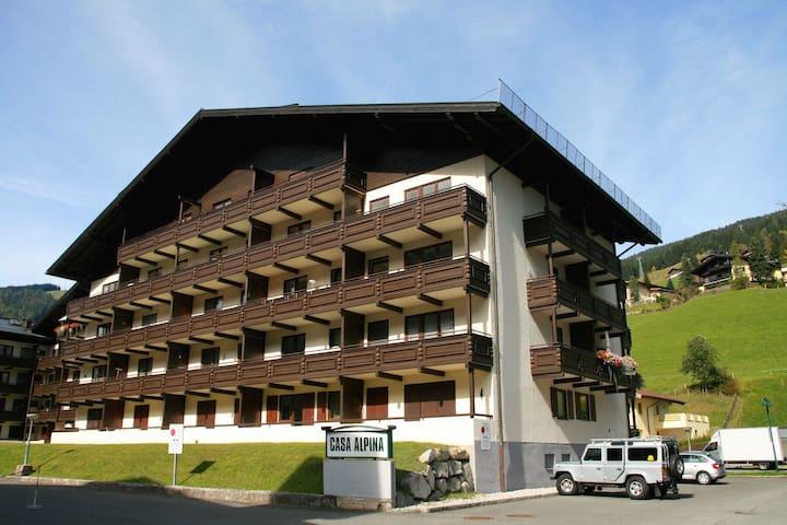 Saalbach Holiday Apartment Sleeps 4 - Saalbach-Hinterglemm - Apartament