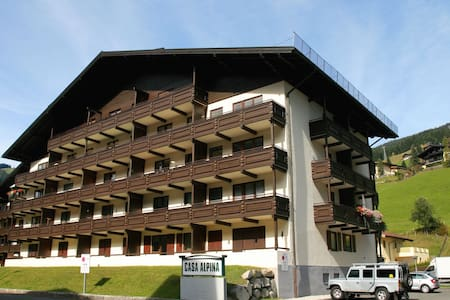 Saalbach Holiday Apartment Sleeps 4 - Saalbach-Hinterglemm - 公寓