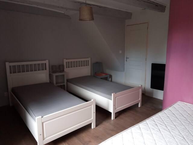 Chambre 2 avec 3 lit simple