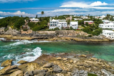 Ocean Side Studio Cottage - Breathtaking Views