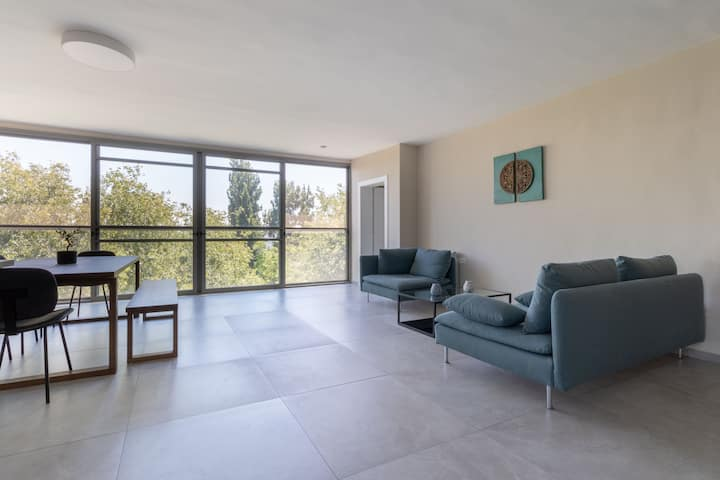 Beautiful New Talbieh Apartment